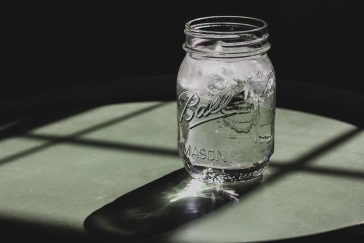 水を飲んで基礎代謝を上げる